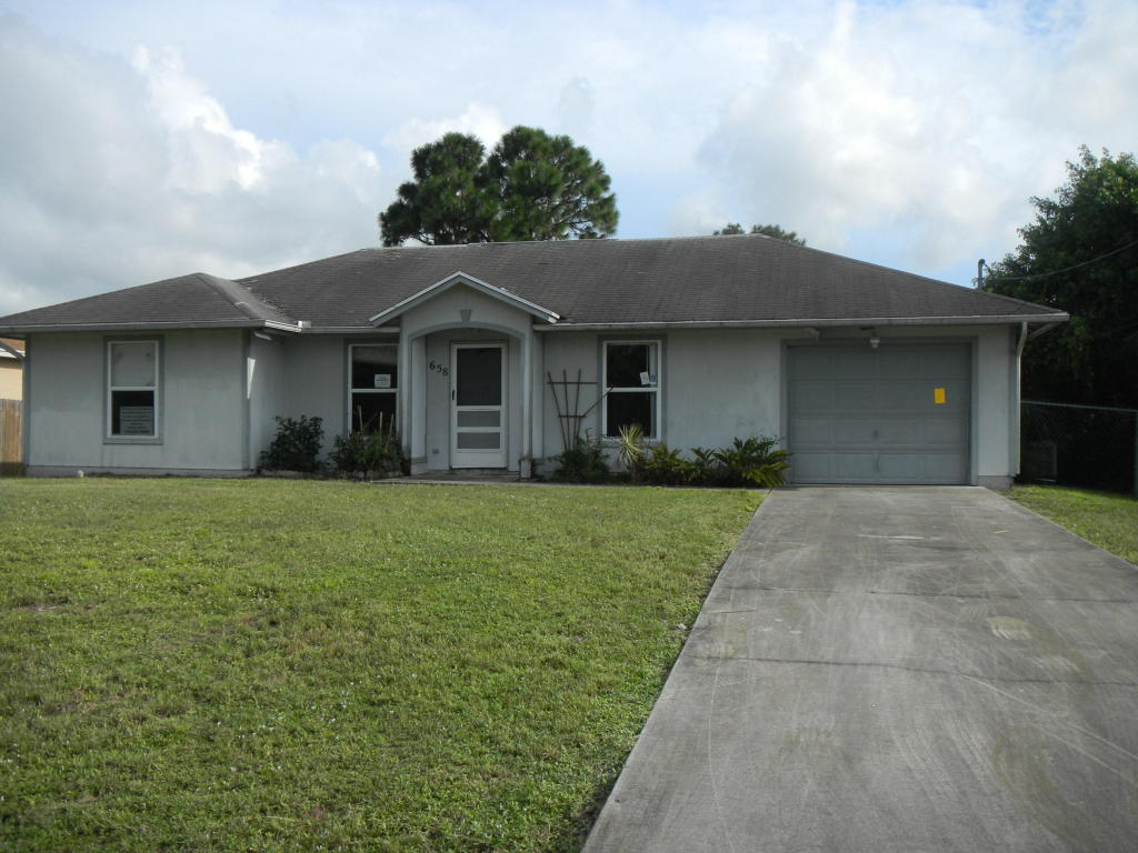 658 SW Fair Ave, Port St Lucie, FL 34953