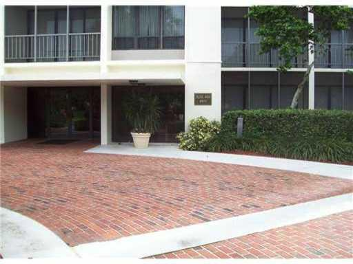 Rental Homes for Rent, ListingId:25190528, location: 6815 Willow Wood Drive Boca Raton 33434