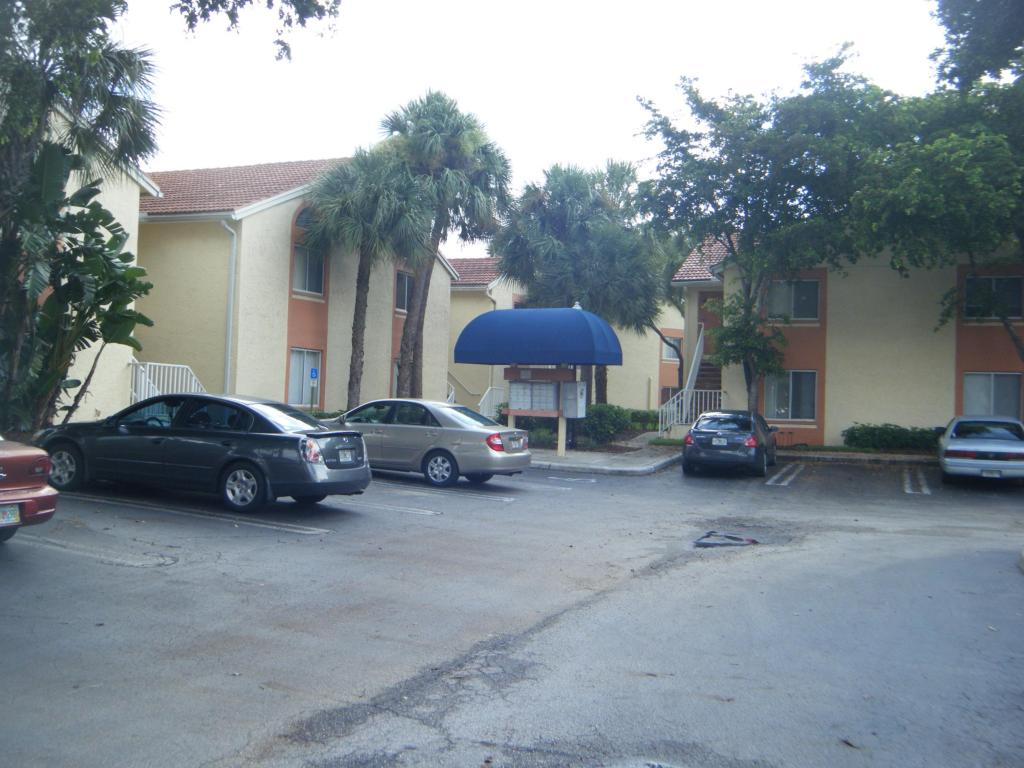Rental Homes for Rent, ListingId:25206099, location: 1014 The Pointe Drive West Palm Beach 33409