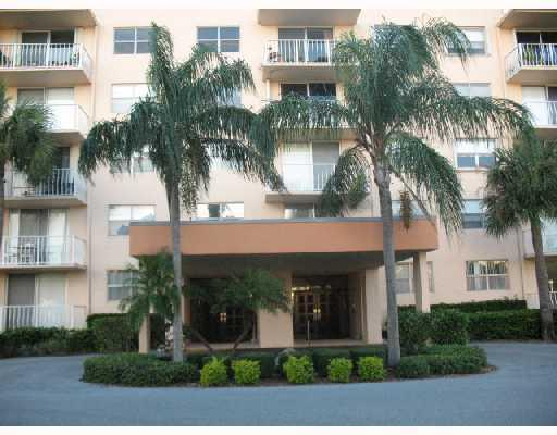 Rental Homes for Rent, ListingId:25310861, location: 500 Executive Center Drive West Palm Beach 33401