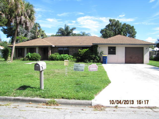 1020 S 8th St, Fort Pierce, FL 34950