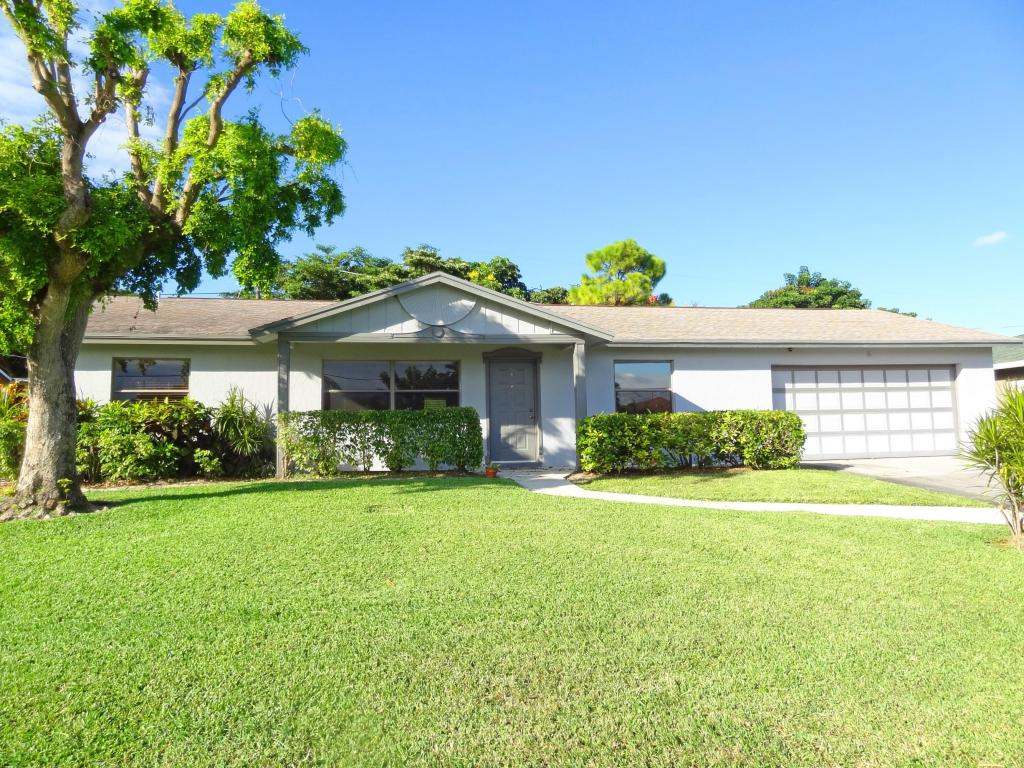 1933 Herder Pkwy, Lake Worth, FL 33462