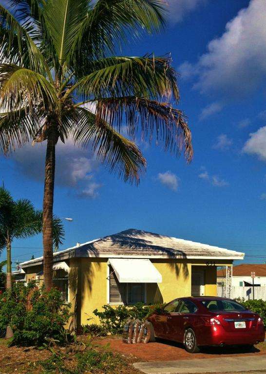 Rental Homes for Rent, ListingId:25680743, location: 631 N J Street Lake Worth 33460