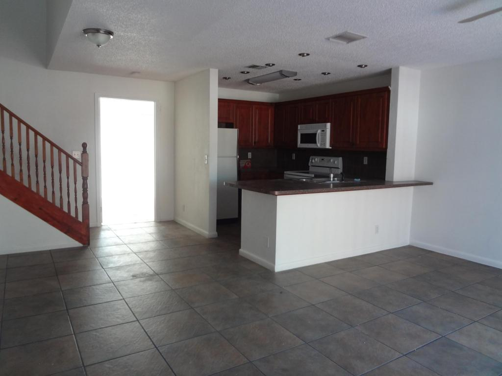 Rental Homes for Rent, ListingId:25740267, location: 930 Cypress Way E Palm Springs 33406