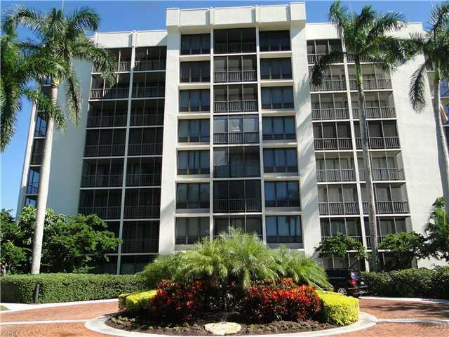Rental Homes for Rent, ListingId:25753858, location: 6797 Willow Wood Drive Boca Raton 33434