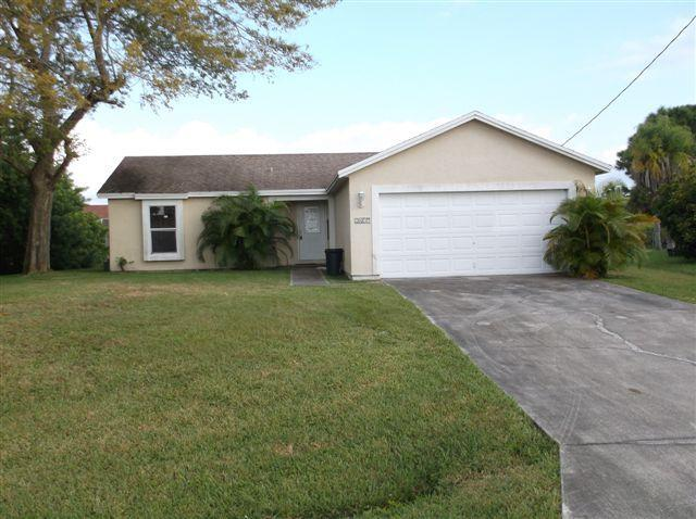 2417 Sw Angus Ave, Port Saint Lucie, FL 34953