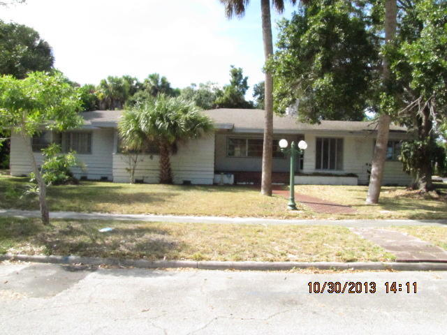 601 S 9th St, Fort Pierce, FL 34950
