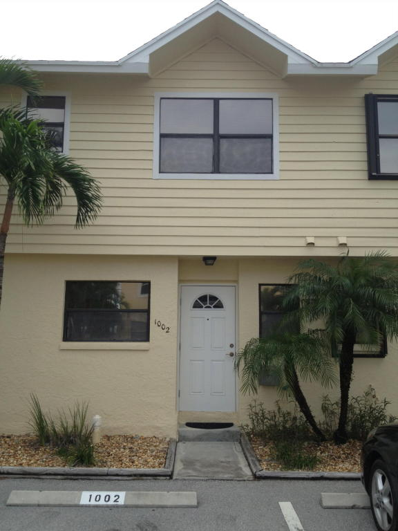 Single Family Home for Sale, ListingId:26024681, location: 13521 S Indian River Drive Jensen Beach 34957