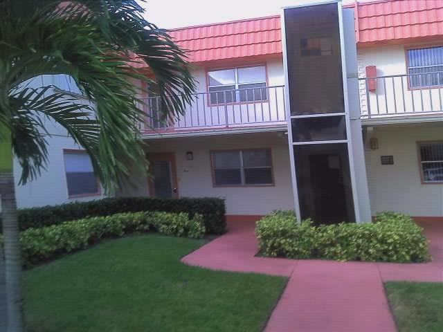 Single Family Home for Sale, ListingId:26780623, location: 12 Saxony A Delray Beach 33446