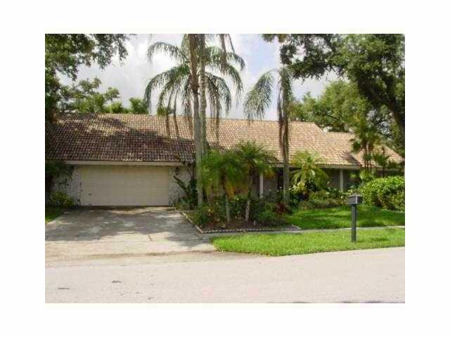Rental Homes for Rent, ListingId:26039542, location: 3120 Saint James Drive Boca Raton 33434