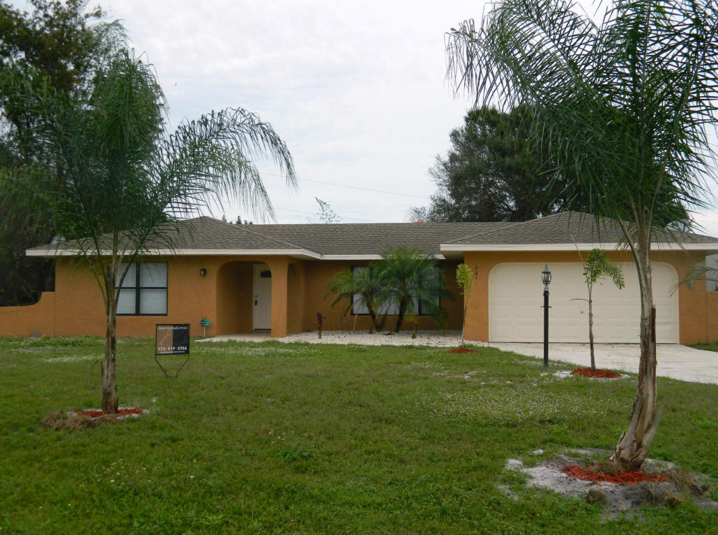 301 SE Strait Ave, Port Saint Lucie, FL 34983