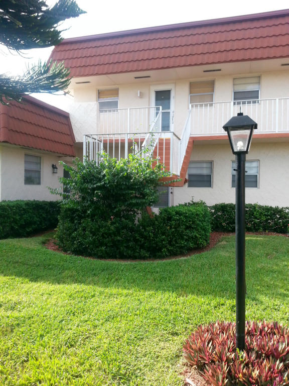 12017 Greenway Cir S # 202, West Palm Beach, FL 33411
