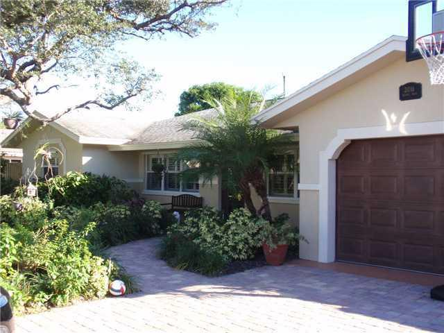 Rental Homes for Rent, ListingId:26159607, location: 2016 Bethel Boulevard Boca Raton 33431