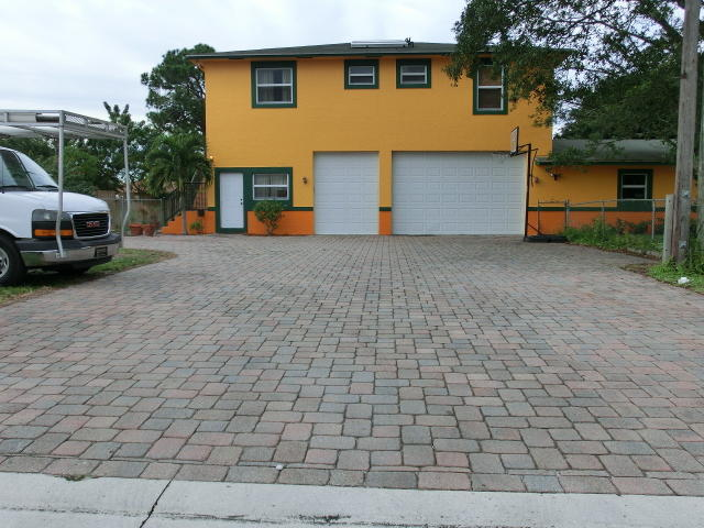 317 8th St, Jupiter, FL 33458