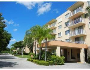 Rental Homes for Rent, ListingId:26198158, location: 480 Executive Center Drive West Palm Beach 33401