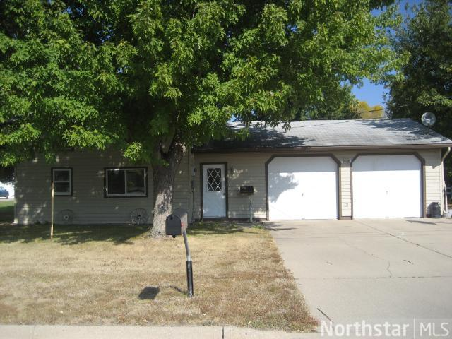 113 W 4th St S, Melrose, MN 56352