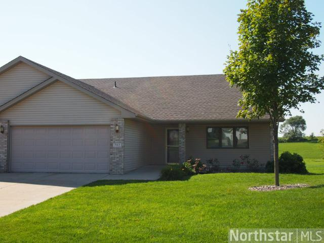 702 Danube Cir NE, New Prague, MN 56071