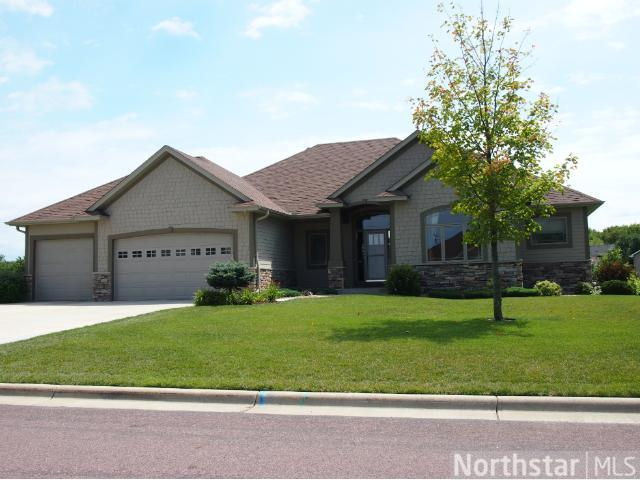 710 Heritage Trl NE, New Prague, MN 56071