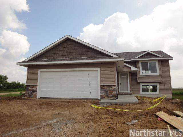 1868 Cypress Trl, New Richmond, WI 54017