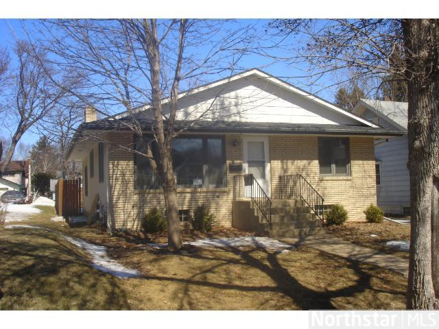 663 Sherwood Ave, St Paul, MN 55106