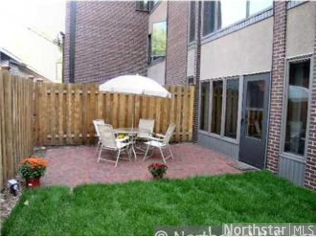 Rental Homes for Rent, ListingId:23032379, location: 633 Robert Street St Paul 55107
