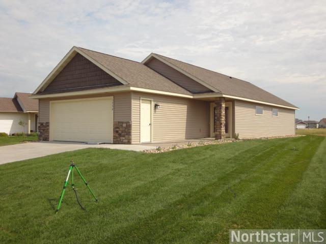 1758 Ponderosa Ln, New Richmond, WI 54017