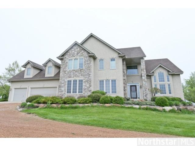 7900 Kingswood Rd, Mound, MN 55364