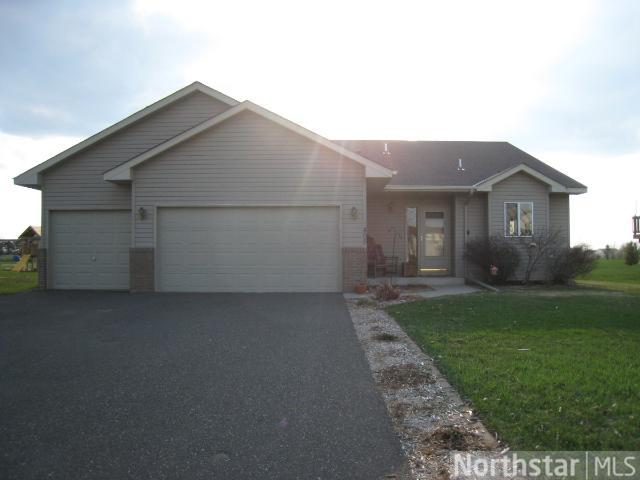 1495 Zachary St S, Cambridge, MN 55008