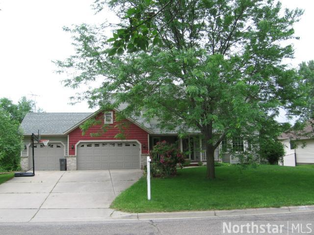 1222 Cannon Valley Dr, Northfield, MN 55057