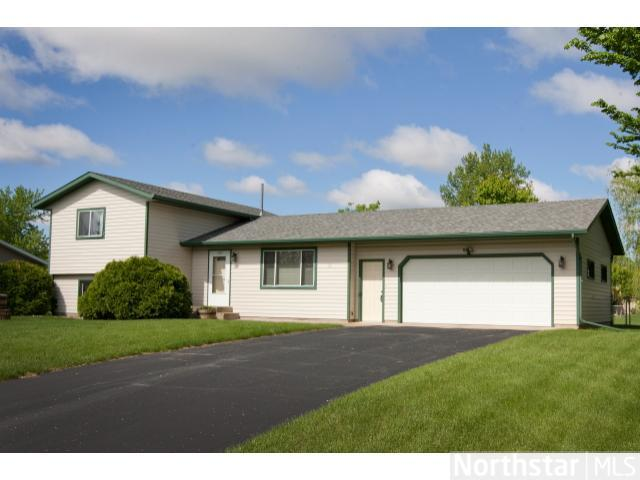 1237 Cottonwood Rd, St. Cloud, MN 56303