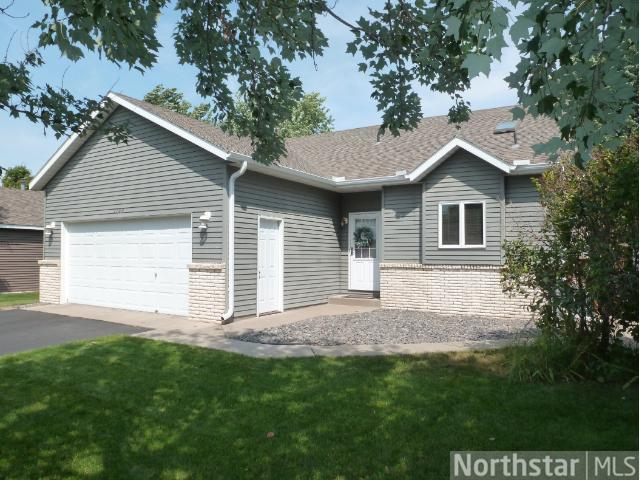 1109 5th St N, Sartell, MN 56377