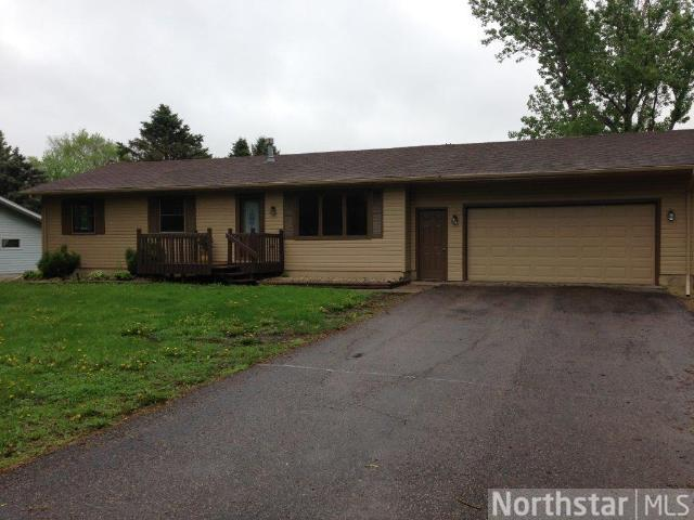 55 W Wood Ridge Dr, River Falls, WI 54022