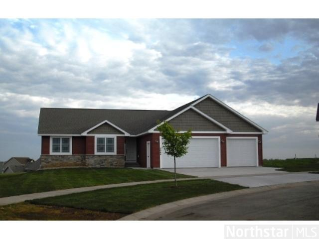 3234 Sussex St, River Falls, WI 54022
