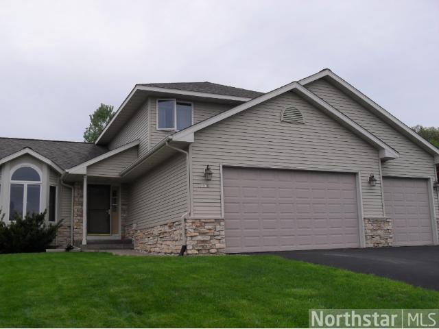 158 Sunwood Valley Ln, River Falls, WI 54022
