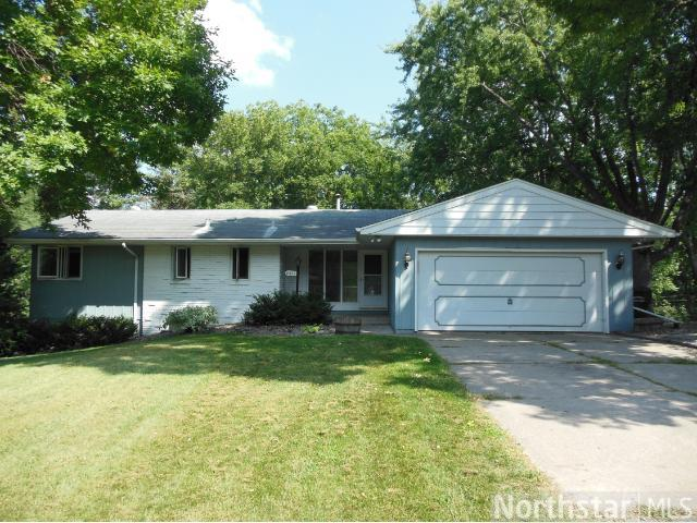 Rental Homes for Rent, ListingId:25078760, location: 4319 Queens Way Minnetonka 55345