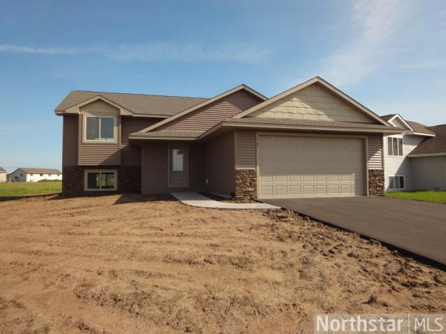 1876 Cypress Trl, New Richmond, WI 54017