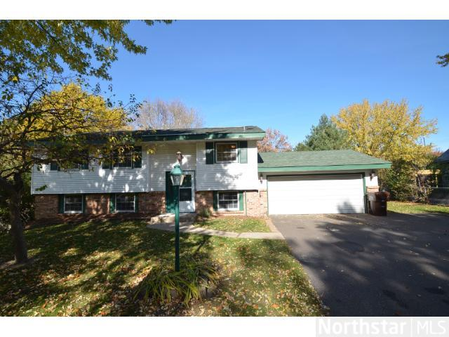Rental Homes for Rent, ListingId:25891880, location: 1716 Lamplight Drive Woodbury 55125