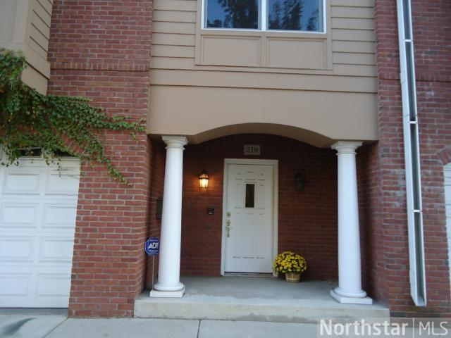 Rental Homes for Rent, ListingId:27708460, location: 219 Groveland Avenue Minneapolis 55403