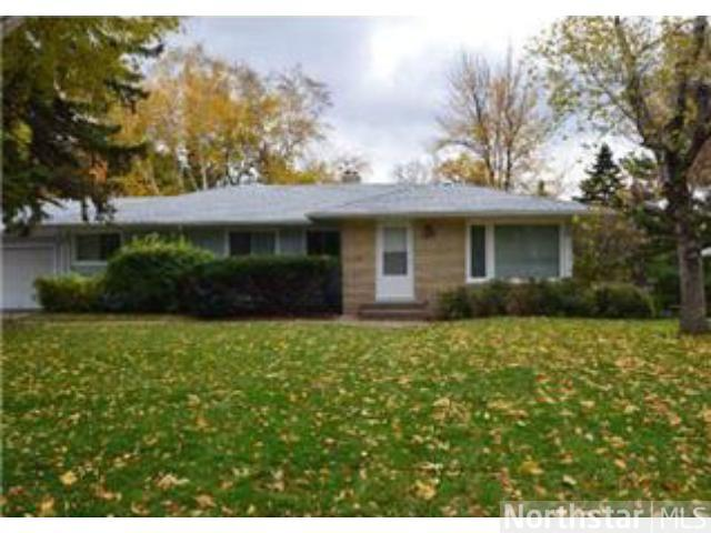 Rental Homes for Rent, ListingId:26025014, location: 912 County Road D W Roseville 55126