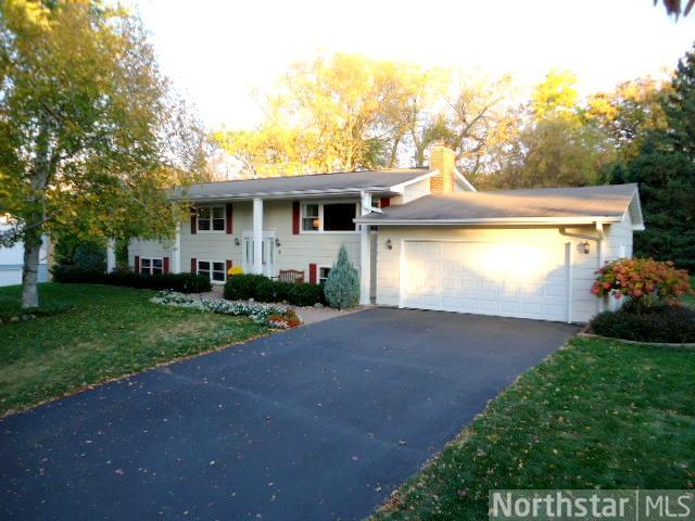 Rental Homes for Rent, ListingId:26168268, location: 16441 Creekside Circle Minnetonka 55345