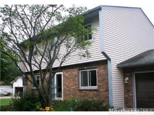 Rental Homes for Rent, ListingId:26171629, location: 2587 English Street Maplewood 55109