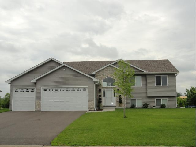 Real Estate for Sale, ListingId: 26835296, Blaine,MN55434
