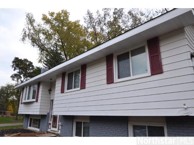 Rental Homes for Rent, ListingId:27141630, location: 5305 Greenview Lane Golden Valley 55422