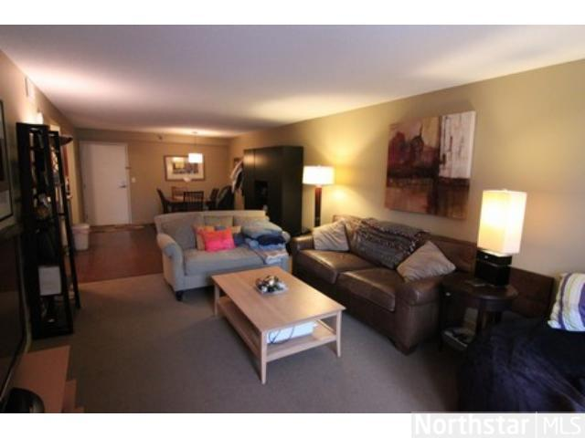 Rental Homes for Rent, ListingId:27377859, location: 52 Groveland Terrace Minneapolis 55403