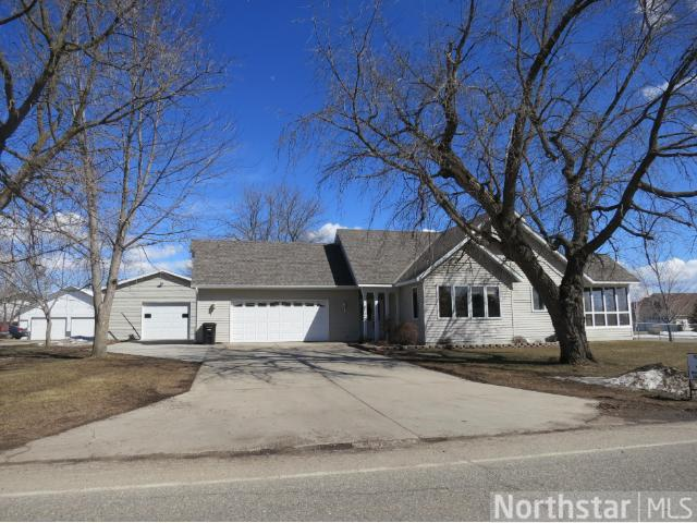 208 Maple St S, Grey Eagle, MN 56336
