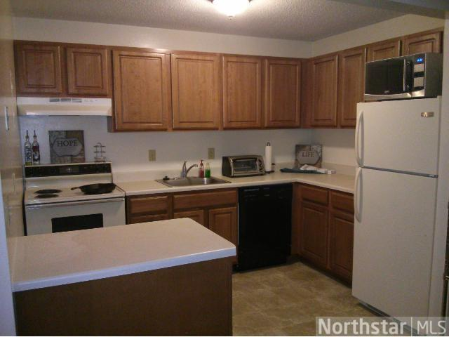 Rental Homes for Rent, ListingId:27512604, location: 2335 Woodbridge Street Roseville 55113
