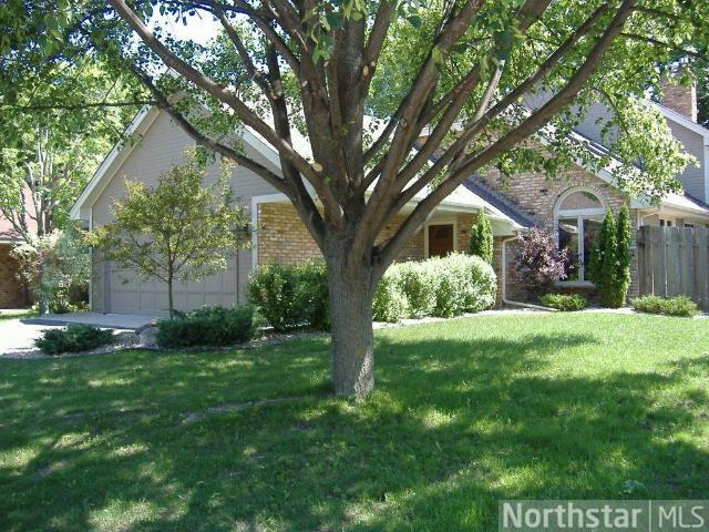 Rental Homes for Rent, ListingId:27769472, location: 6159 Concord Hill Lane Minnetonka 55345