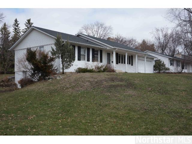 Rental Homes for Rent, ListingId:27783638, location: 2408 W 97th Street Bloomington 55431