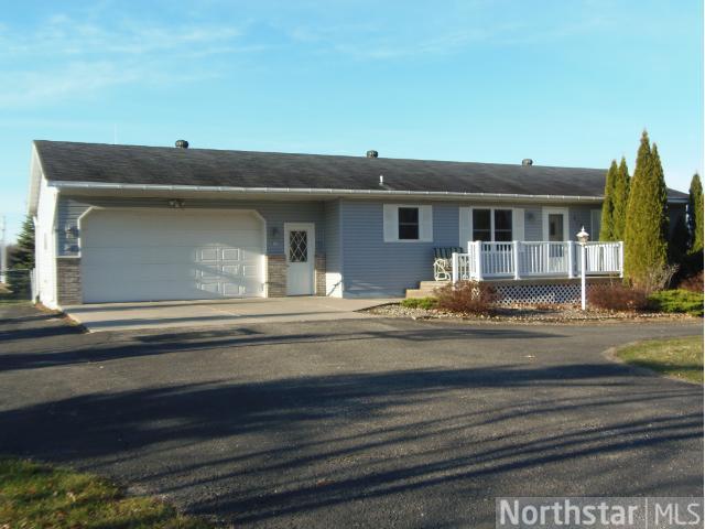 609 Hill Ave W, Clarissa, MN 56440