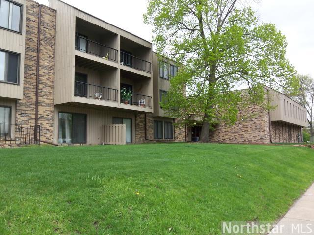 Rental Homes for Rent, ListingId:28437235, location: 450 Ford Road St Louis Park 55426